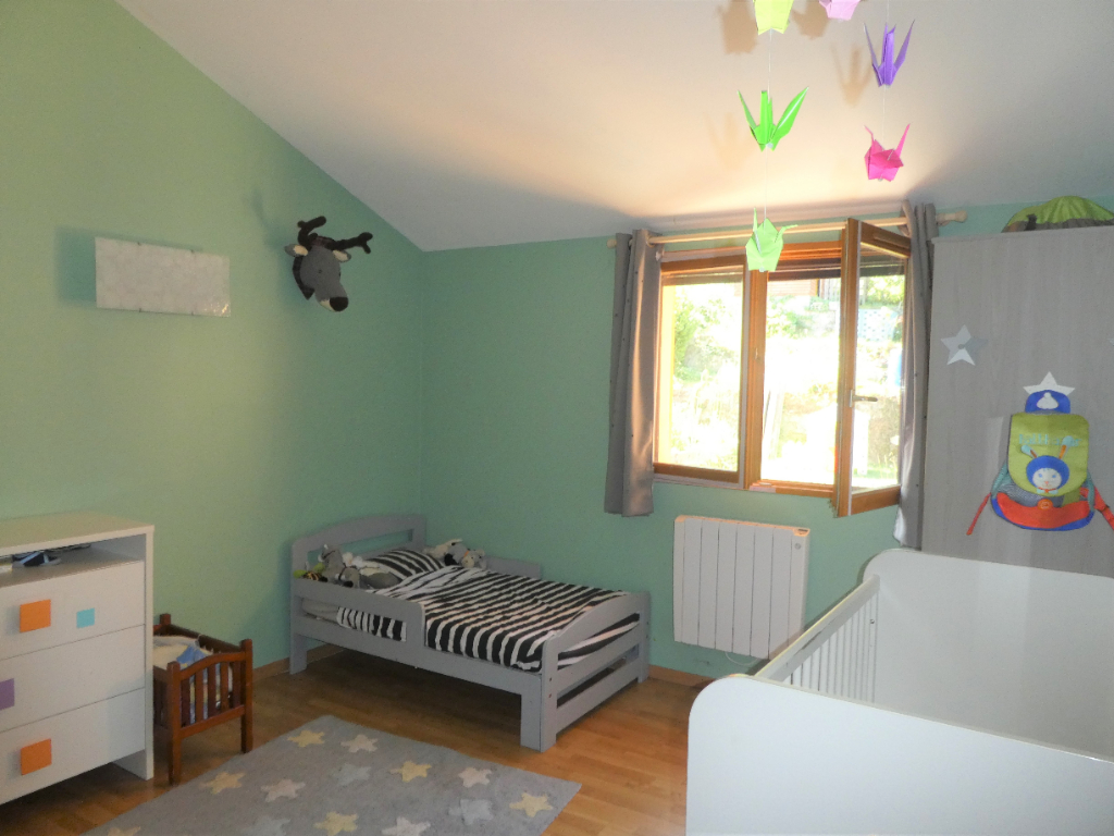 Sale house / villa Bourgoin jallieu 274000€ - Picture 5