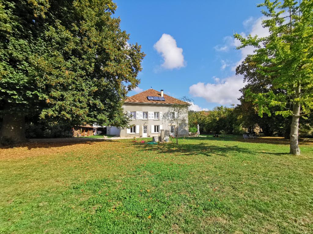 Sale house / villa La cote saint andre 489000€ - Picture 1