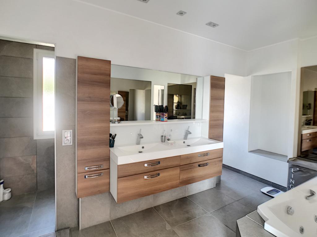 Vente maison / villa Bourgoin jallieu 610000€ - Photo 6