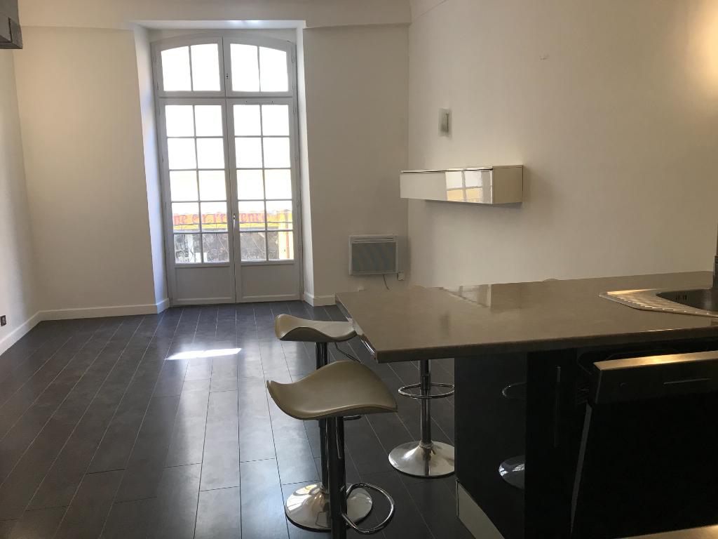 Vente Appartement de 2 pièces 45 m² - HYERES 83400 | IMOGROUP HYERES - IMOGROUP photo1