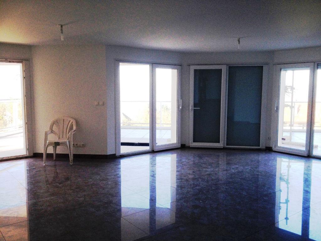 appartement evian les bains 3 pi ce s 111 m2 vian les bains 74500. Black Bedroom Furniture Sets. Home Design Ideas