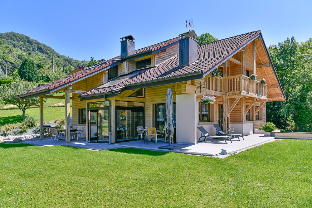 Vente Maison de 7 pièces 210 m² - CHATILLON SUR CLUSES 74300 | IMOGROUP DOUVAINE - IMOGROUP photo1