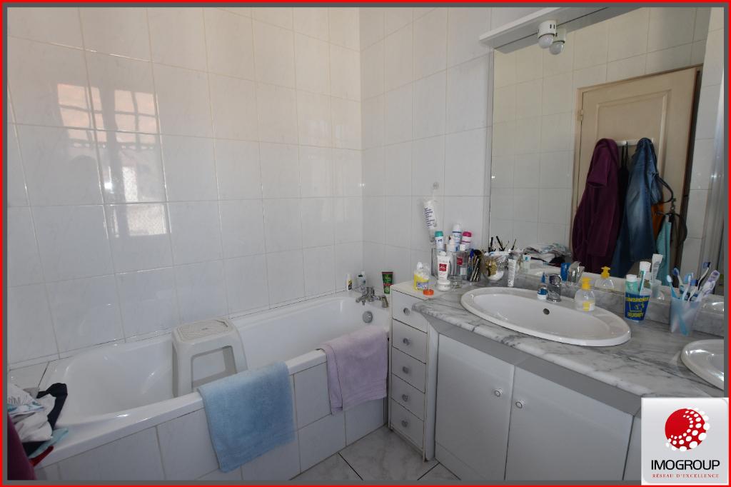 Vente Maison de 8 pièces 145 m² - DOMPIERRE SUR BESBRE 03290 | IMOGROUP LAPALISSE - IMOGROUP photo10