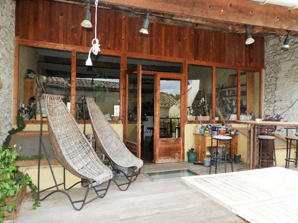 Photo Gignac. Maison de village de 170m² hab + pièces annexes et terrasse image 1/6
