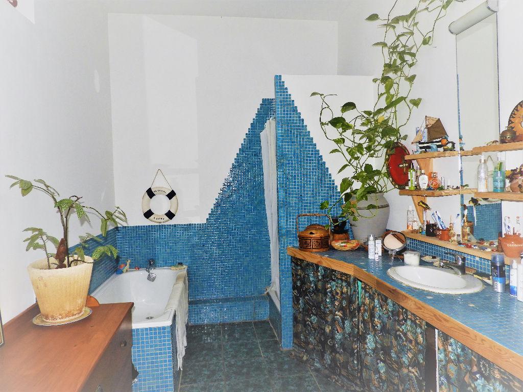 Photo Gignac. Maison de village de 170m² hab + pièces annexes et terrasse image 6/6