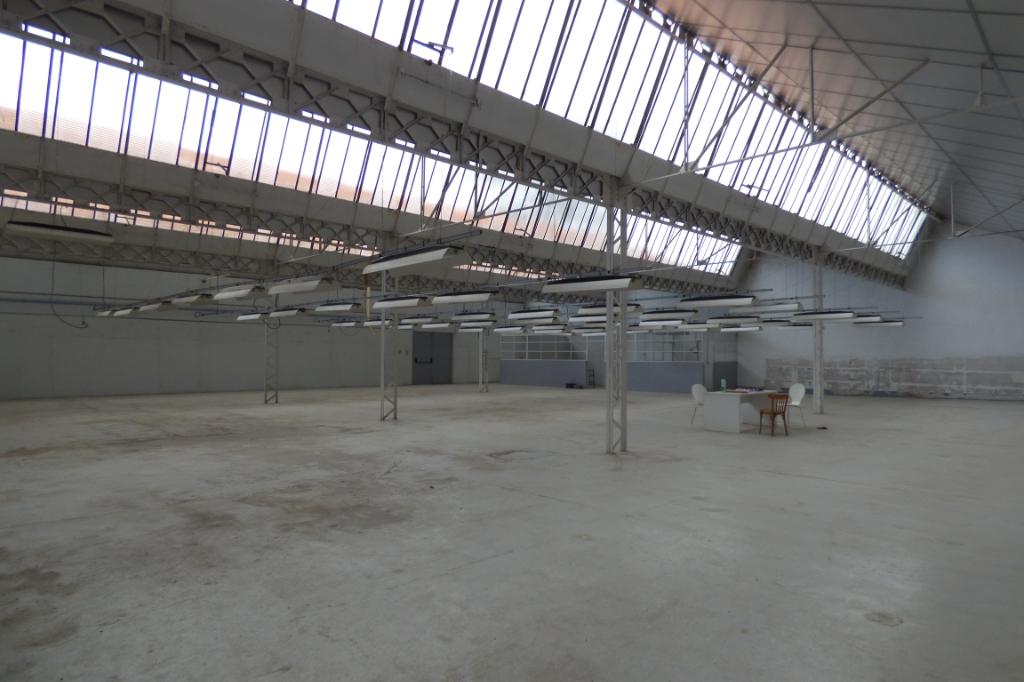 Local d'activité  2470 m2 proche centre ville Romans sur Isère 4