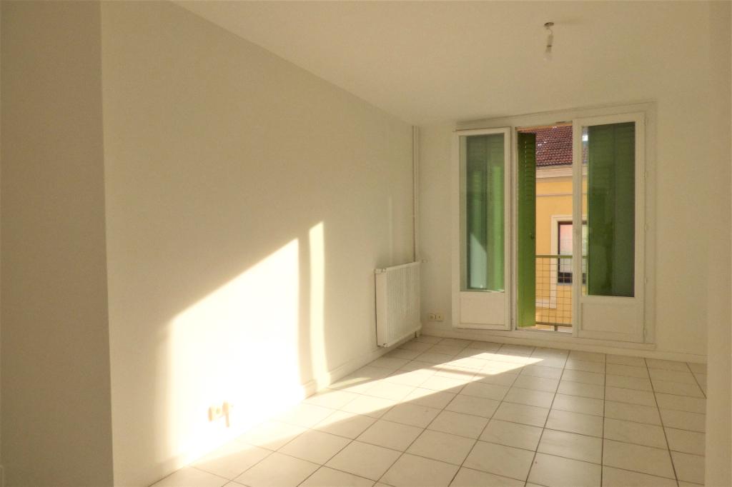 Location appartement Romans sur isere 545€ CC - Photo 1