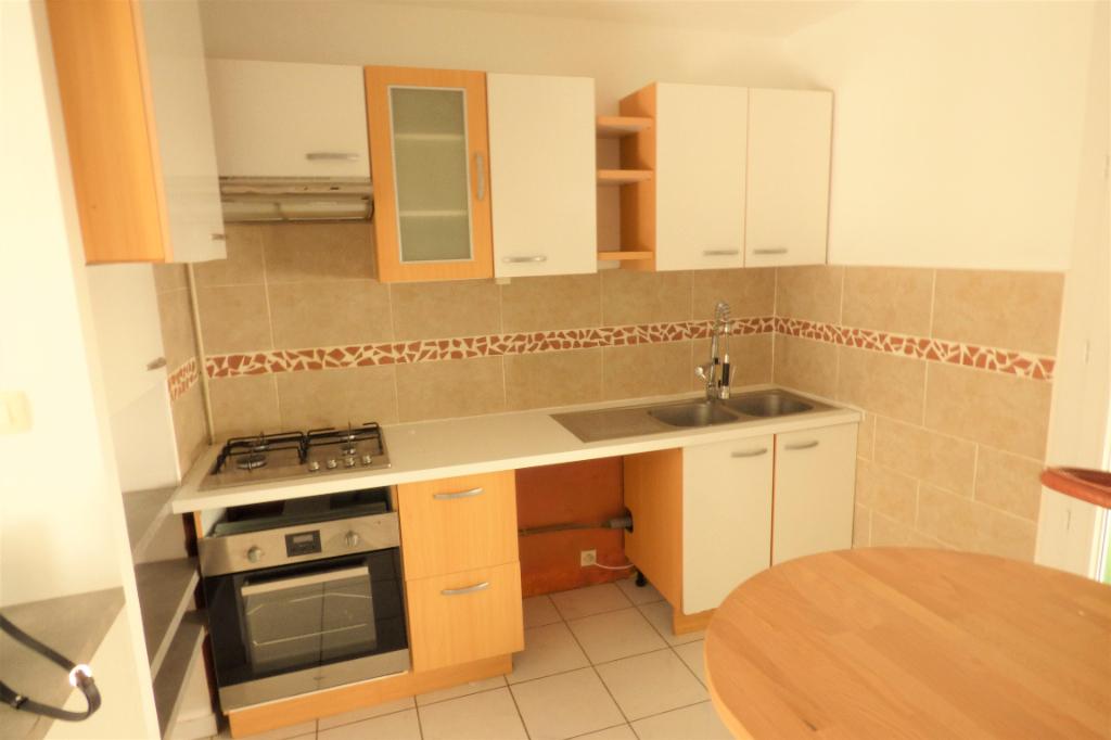 Location appartement Romans sur isere 545€ CC - Photo 2