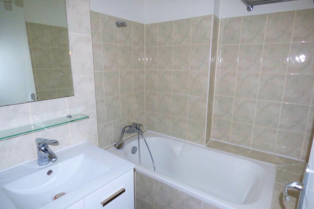 Location appartement Romans sur isere 545€ CC - Photo 3