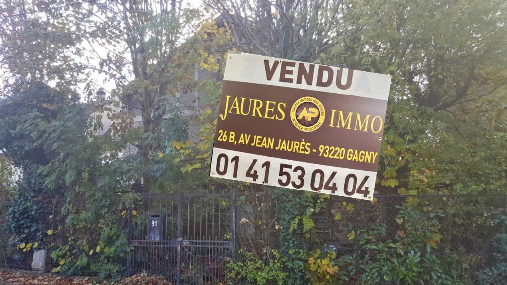 Maison Franceville