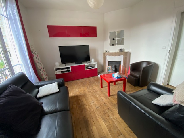 GAGNY Appartement F3/4 proche Mairie