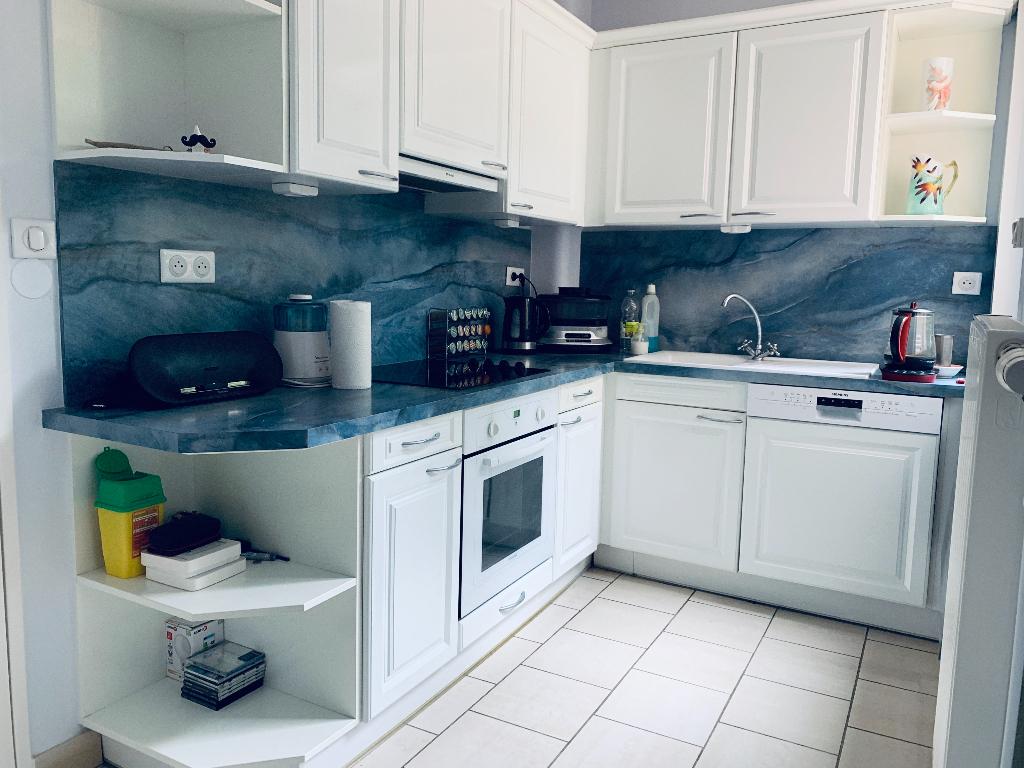 Sale apartment Valenciennes 181000€ - Picture 4