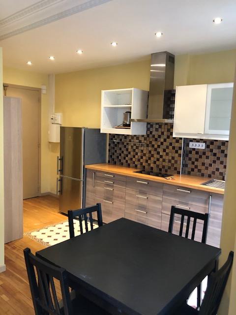 Location appartement Paris 18ème 950€ CC - Photo 2