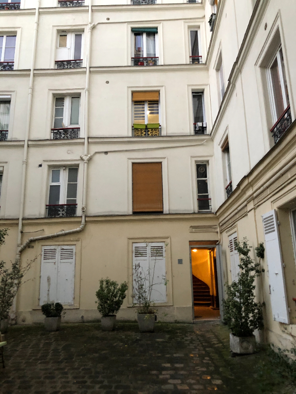 Appartement Paris 1 pièce(s) 20 m2