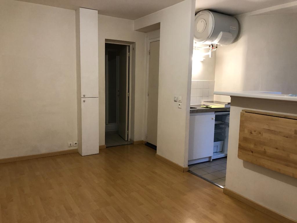 Location appartement Paris 12ème 690€ CC - Photo 4