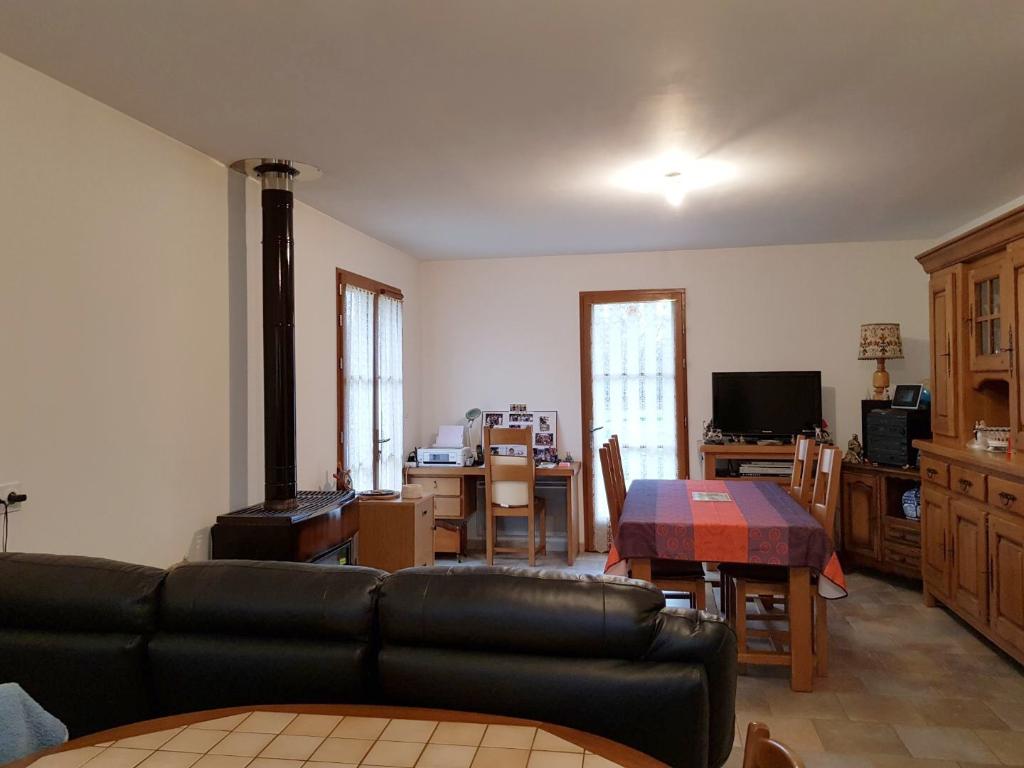 Rental house / villa Vannes sur cosson 680€ CC - Picture 2