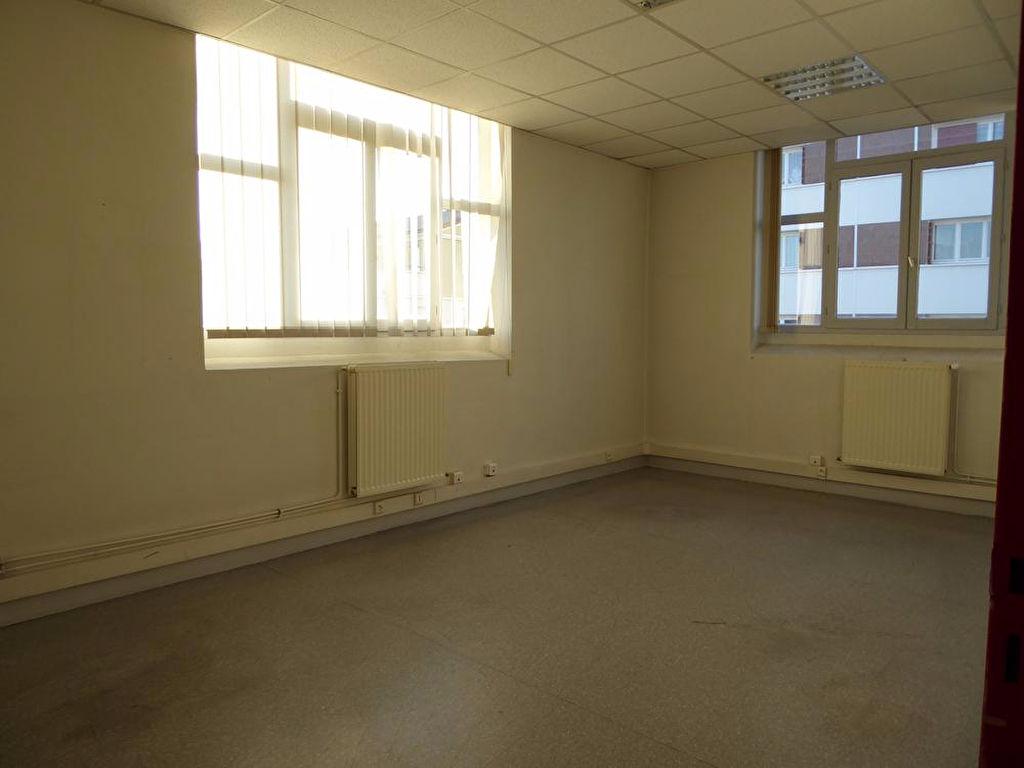bureau 197m saint etienne saint tienne 42000. Black Bedroom Furniture Sets. Home Design Ideas