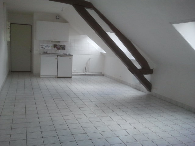 Rental apartment Courville sur eure 450€ CC - Picture 1