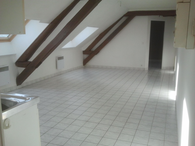 Rental apartment Courville sur eure 450€ CC - Picture 2