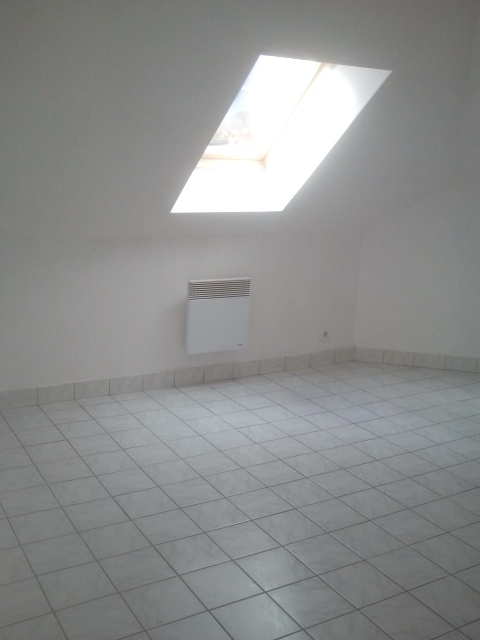 Rental apartment Courville sur eure 450€ CC - Picture 4