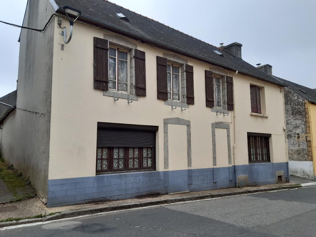 Sale house / villa Landeleau 79920€ - Picture 1