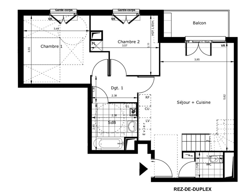 Duplex avec terrasse à 600m du RER B