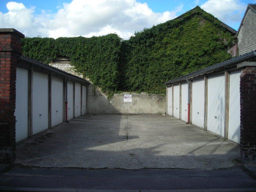 A vendre Parking à  CAUDEBEC LES ELBEUF  (76320)