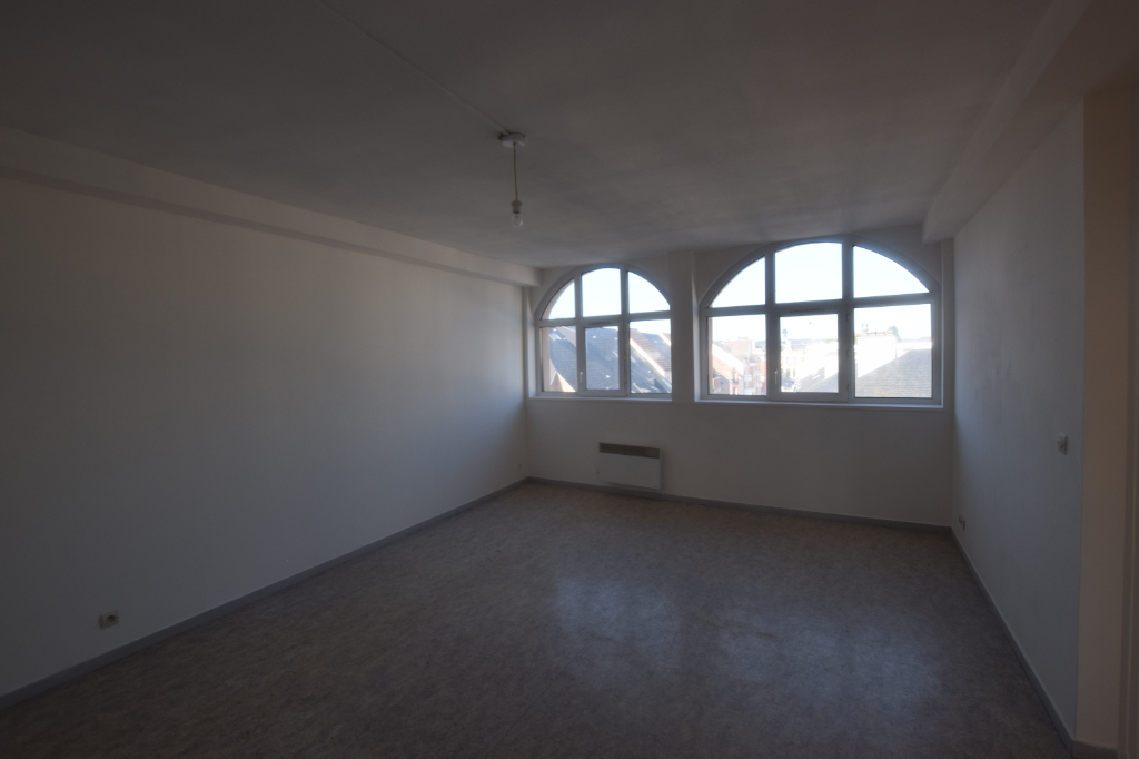 Spacieux T3 60m2 en centre-ville d'Elbeuf