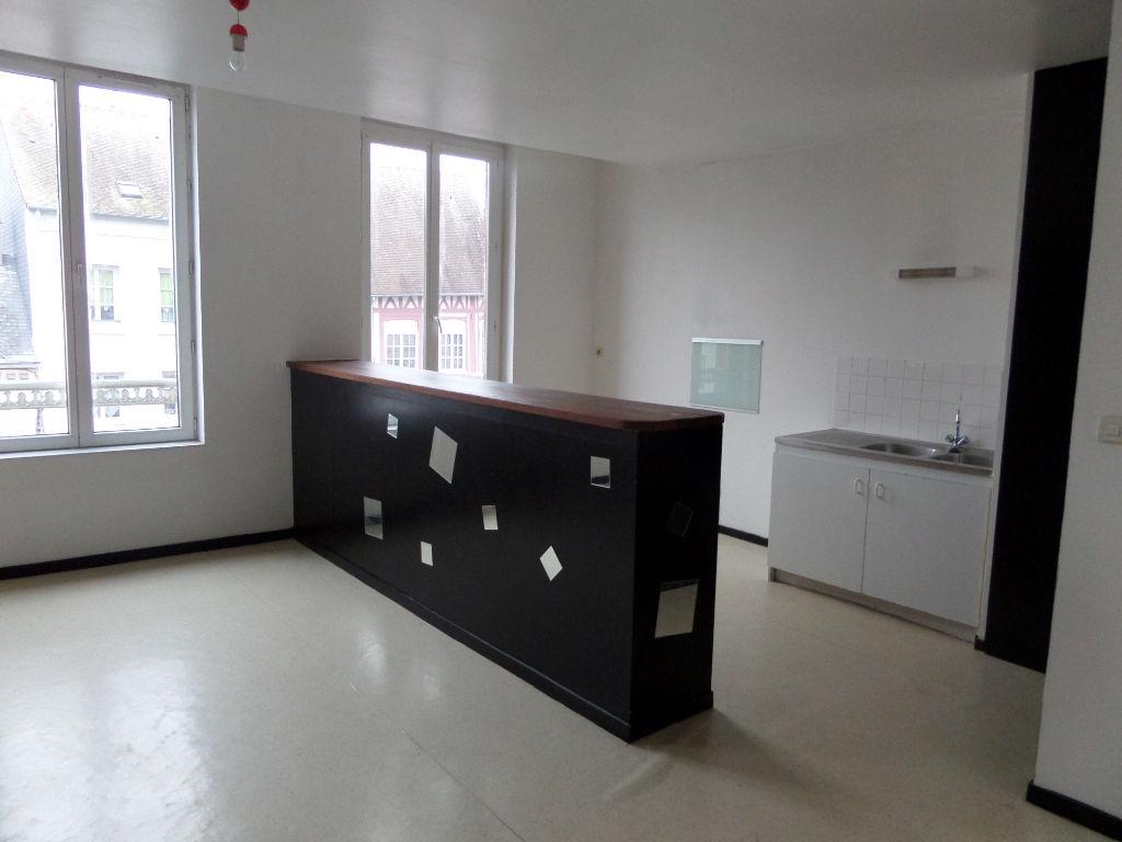 Appartement T2 55m2 en centre-ville d'Elbeuf