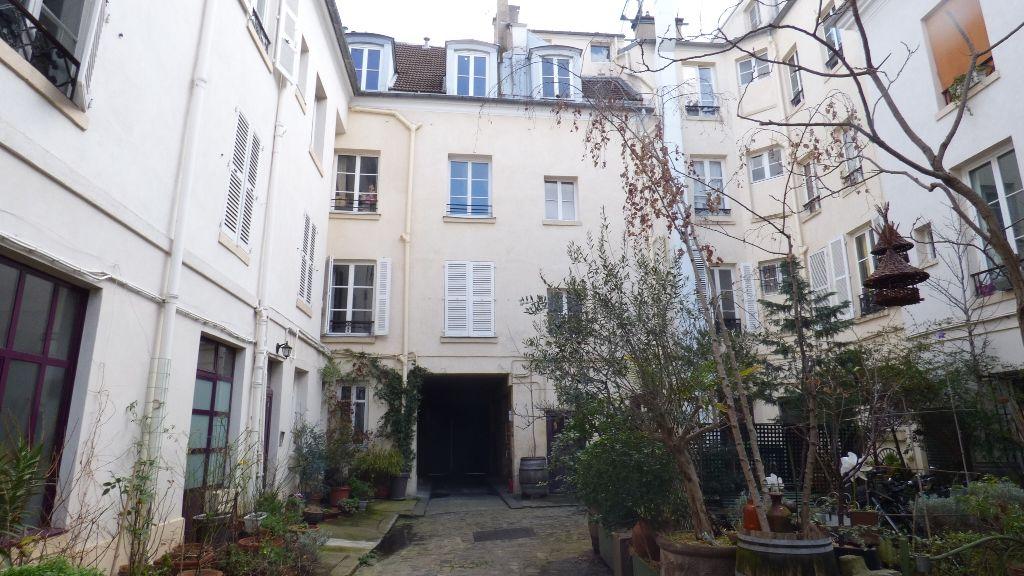 A vendre Appartement à  PARIS  (75011)