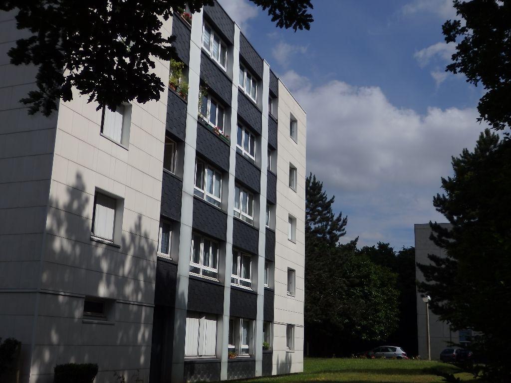 A vendre Appartement à  SAINT AUBIN LES ELBEUF  ()