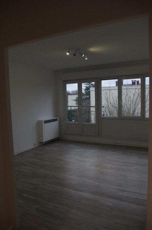 A vendre Appartement à  SAINT AUBIN LES ELBEUF  (76410)