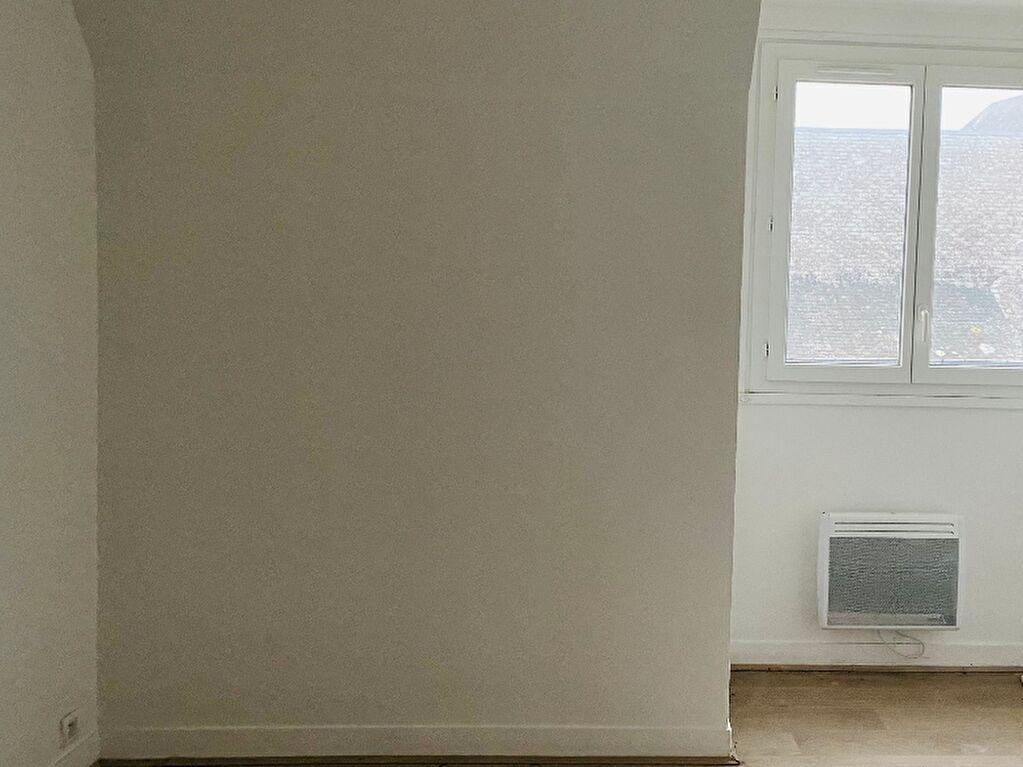 Bel appartement T3 60 m2 entièrement rénové à Elbeuf