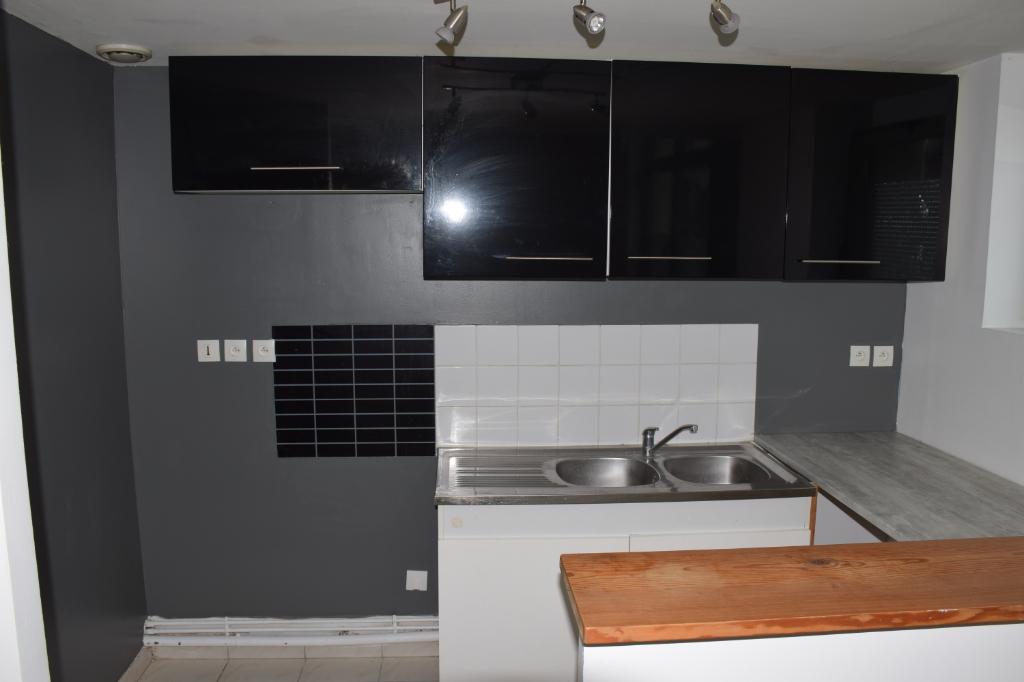 Beau T3 90 m2 en Duplex RDC en centre-ville d'Elbeuf