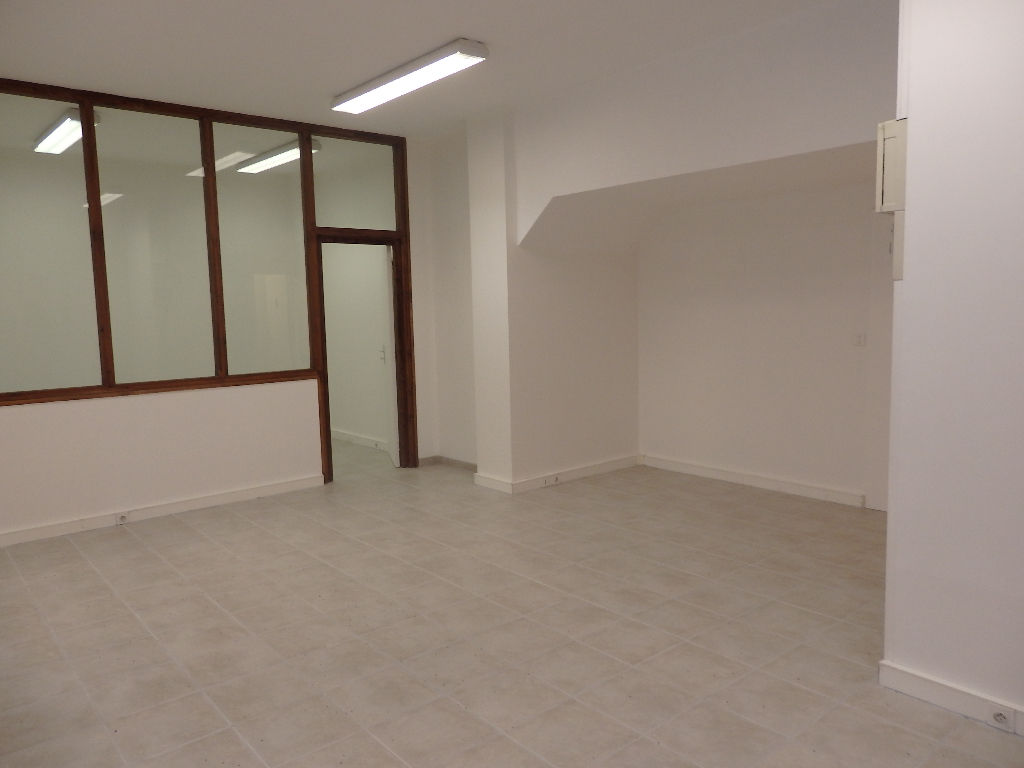 Beaux bureaux 100m2 avec accueil au public