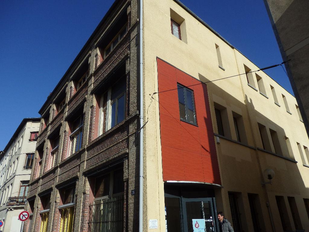 135m2 de bureaux à louer en centre-ville d'Elbeuf