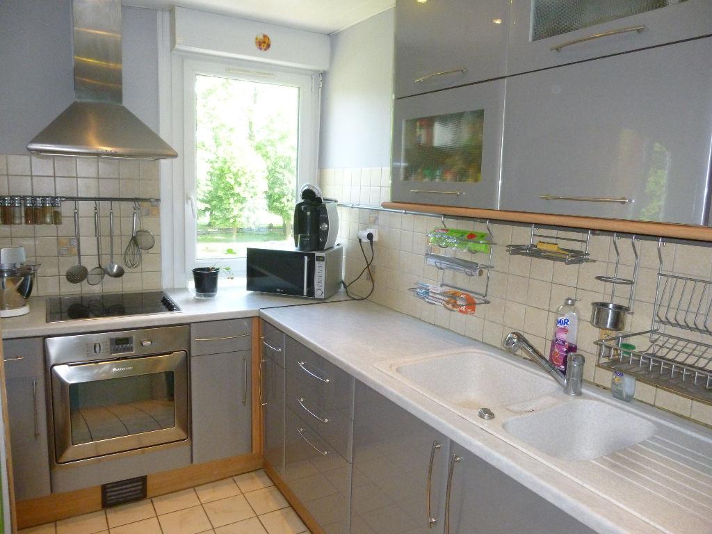 A vendre Appartement à  ST PIERRE LES ELBEUF  (76320)