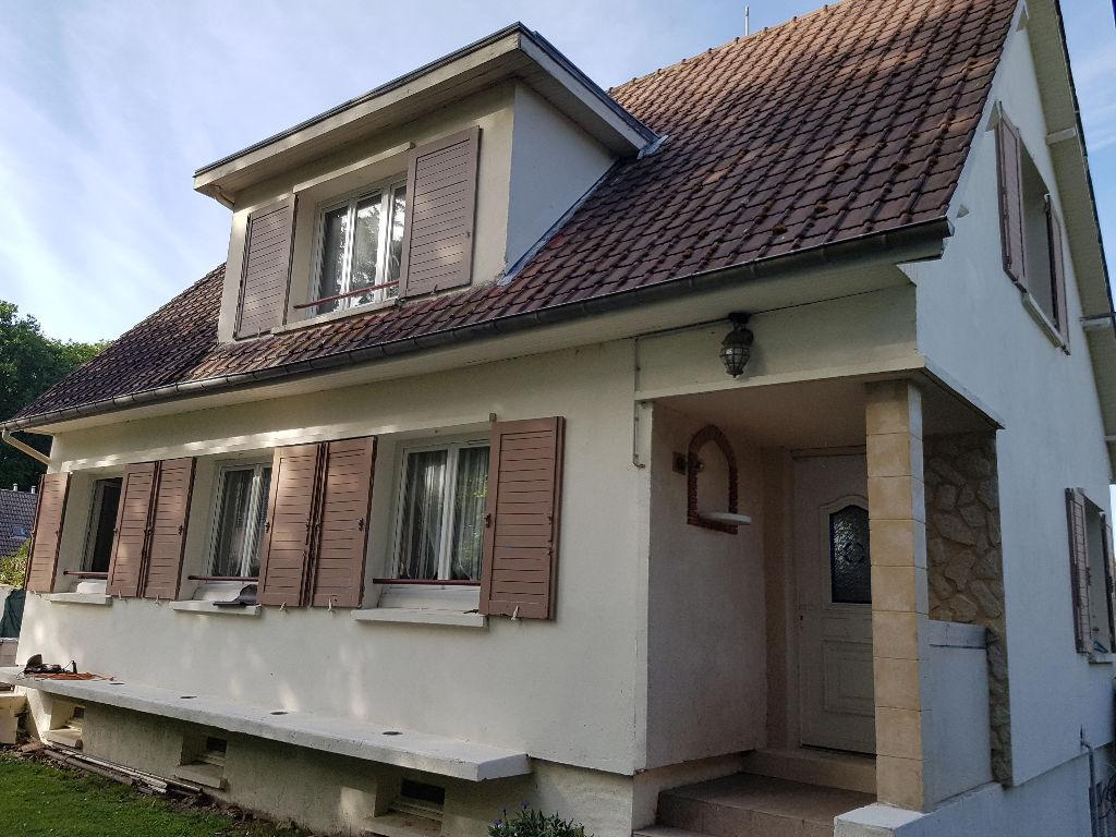A vendre Maison à  LA SAUSSAYE  (27370)