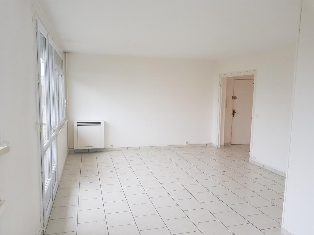 A vendre Appartement à  ST AUBIN LES ELBEUF  (76410)