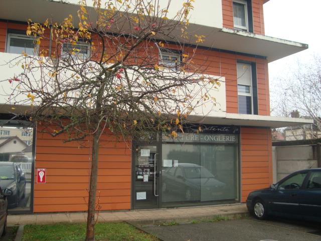 A vendre Local Professionnel à  SAINT AUBIN LES ELBEUF  (76410)