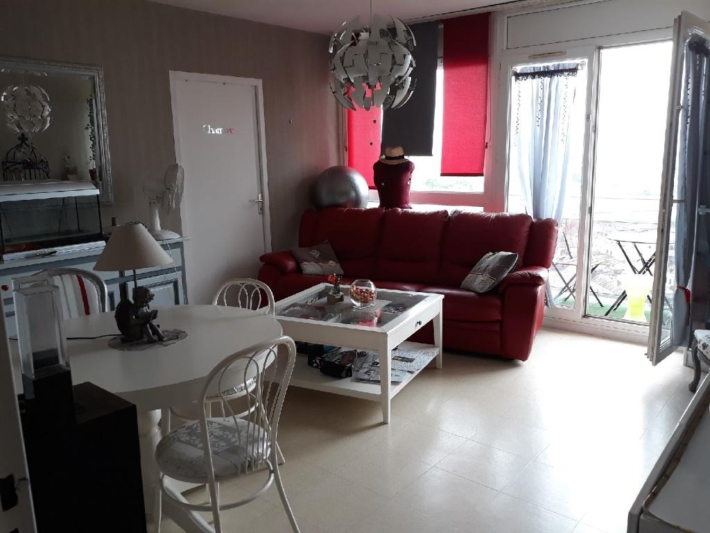 A vendre Appartement à  LE PETIT QUEVILLY  (76140)
