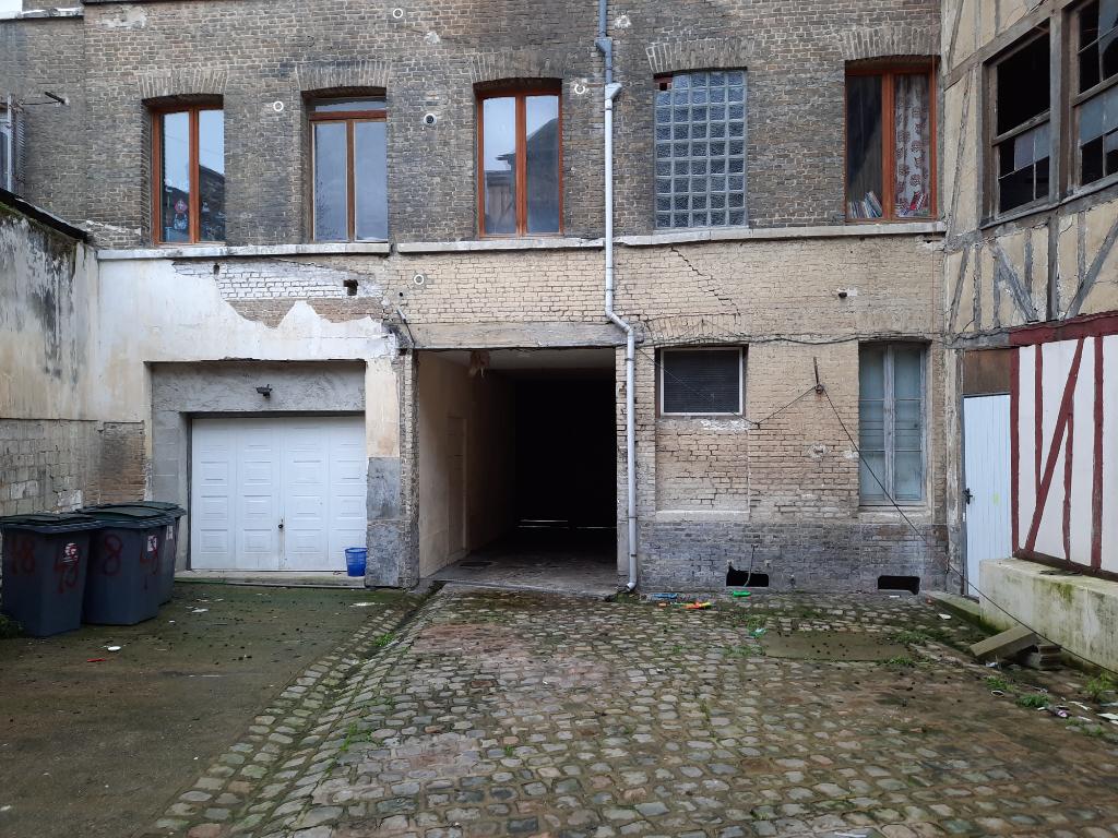 IMMEUBLE DE RAPPORT 14 PIÈCES 76500