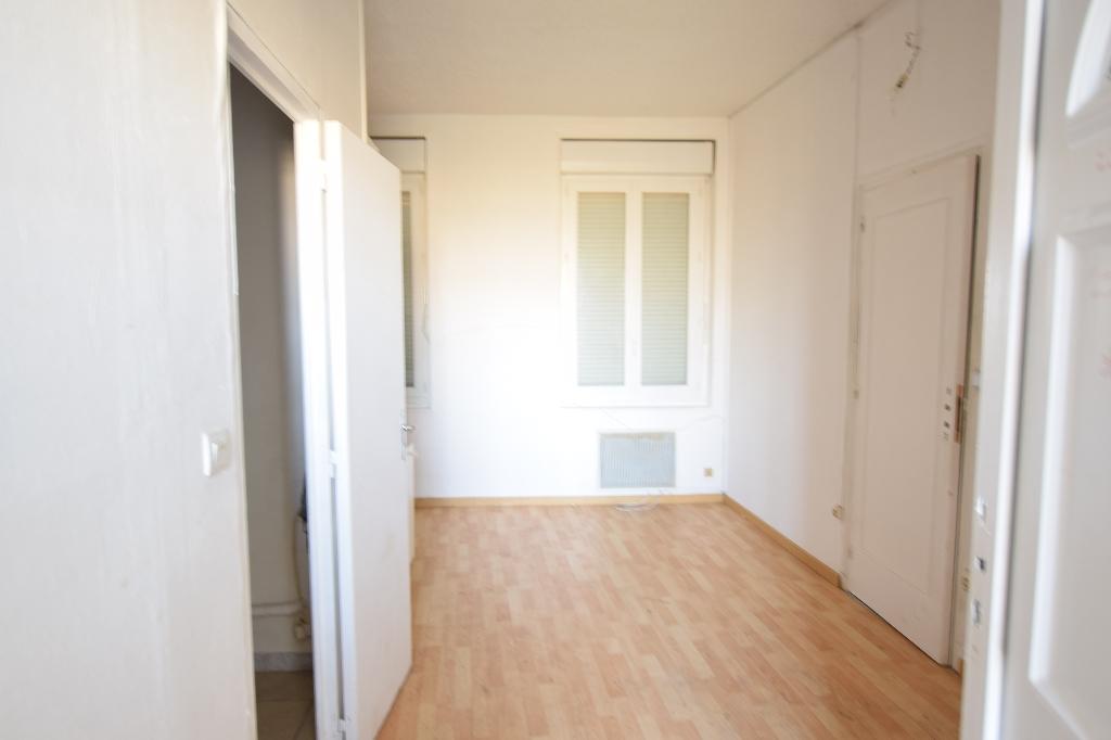 A vendre Immeuble à  CAUDEBEC LES ELBEUF  (76320)