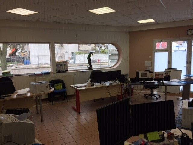A vendre Local Professionnel à  LE PETIT QUEVILLY  (76140)