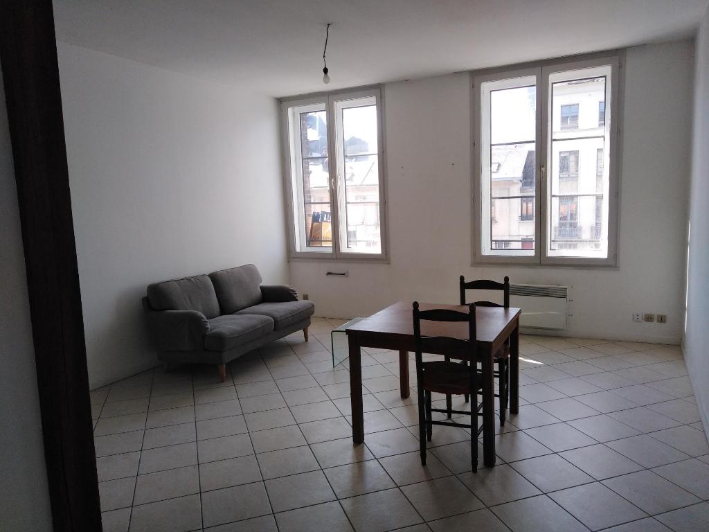 photo de Beau T2 meublé situé dans l'hypercentre de Rouen
