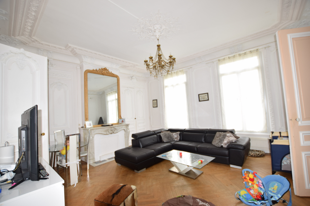 ENSEMBLE IMMOBILIER -76410-