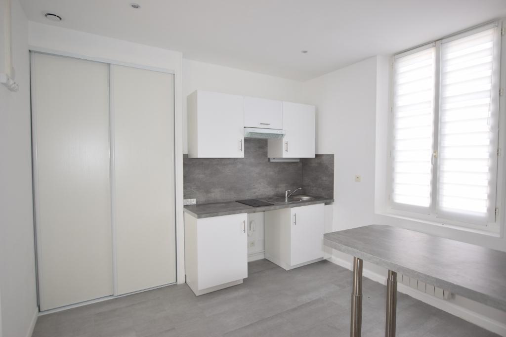 A vendre Appartement à  CAUDEBEC LES LEBEUF  (76320)