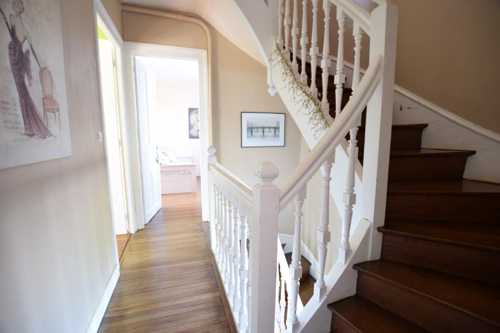 Maison  9 pièces 209 m2