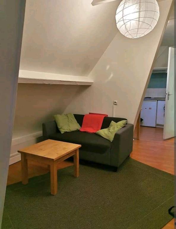 Studio meublé - T1 bis - 76000