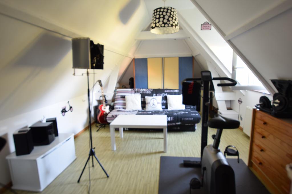 Maison  5 pièce(s) 100 m2